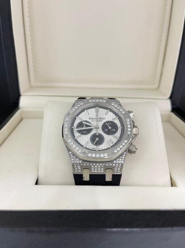 Réplica de relógio Audemars Piquet Royal Borracha com Pedras – Branco/Preto