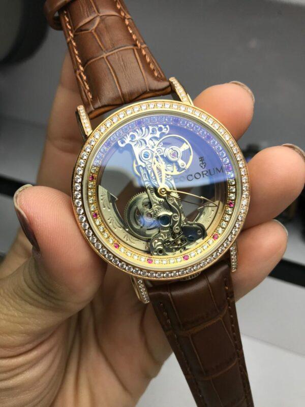 Réplica de relógio Corum – Couro Marrom