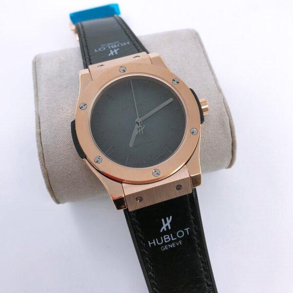 Réplica de relógio Hublot Geneve Couro – Preto/Dourado