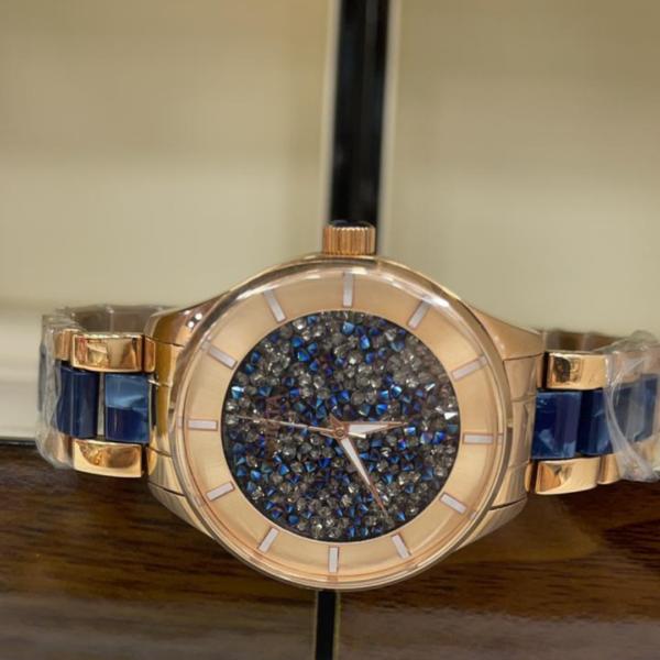 Réplica de relógio Invicta Angel Feminino – Dourado/Azul