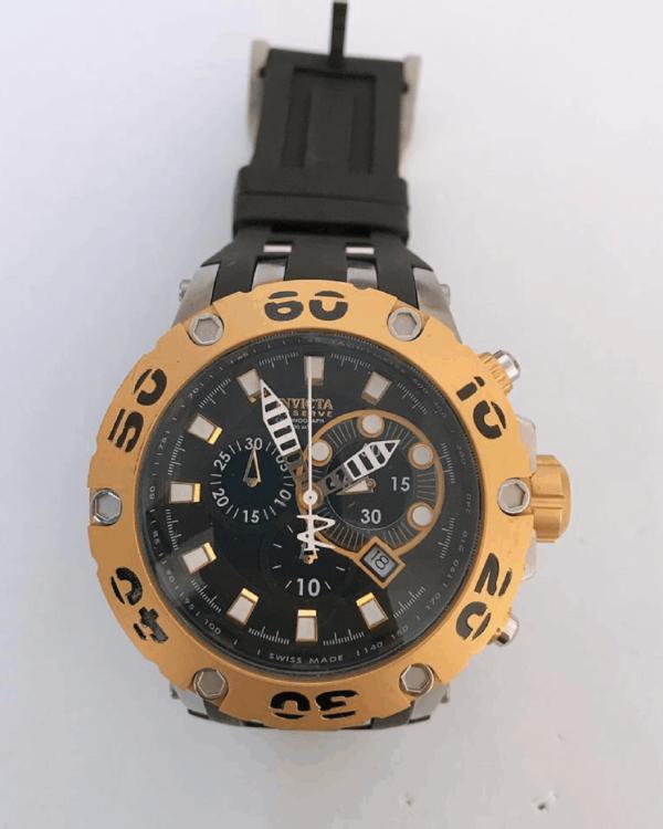 Réplica de relógio Invicta Reserve – Preto/Dourado