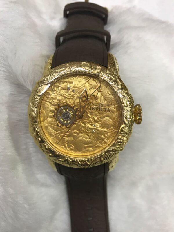 Réplica de relógio Invicta Yakusa ll – Preto/Dourado