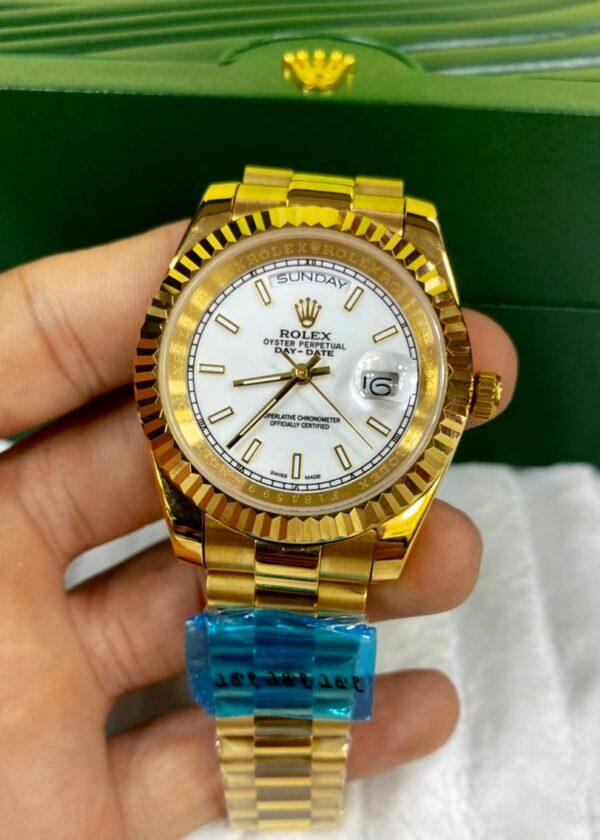 Réplica de relógio Rolex Daydate Dourado/Branco