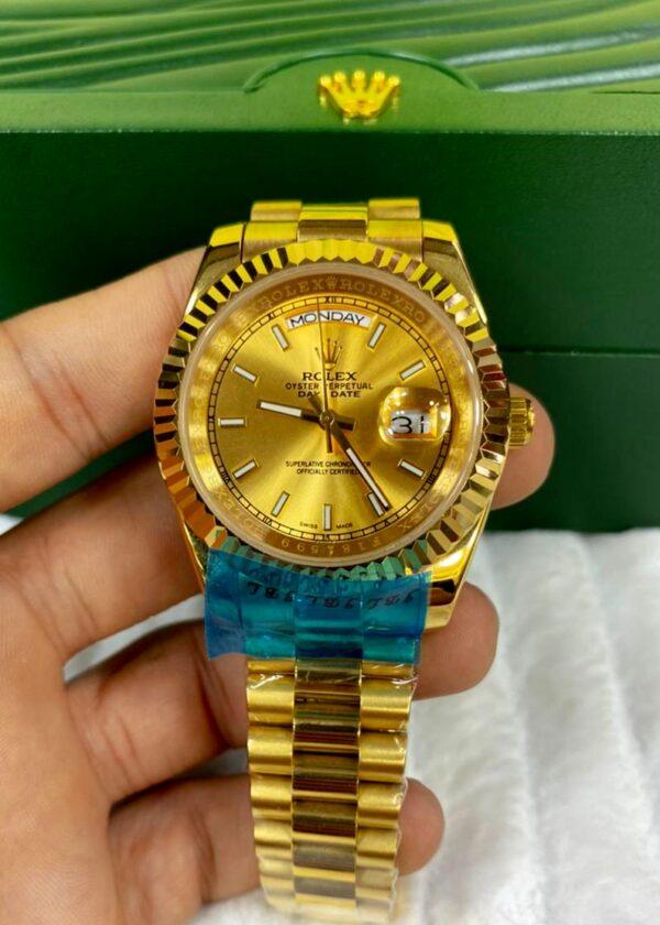 Réplica de relógio Rolex Daydate Dourado