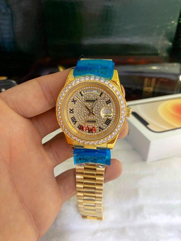 Réplica de relógio Rolex Daydate Todo em Pedra Dourado