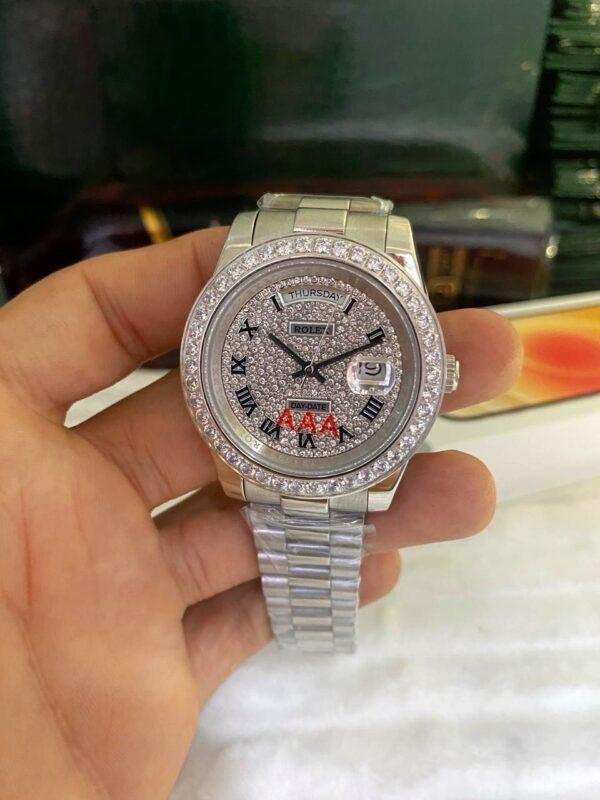 Réplica de relógio Rolex Daydate Todo em Pedra Prata