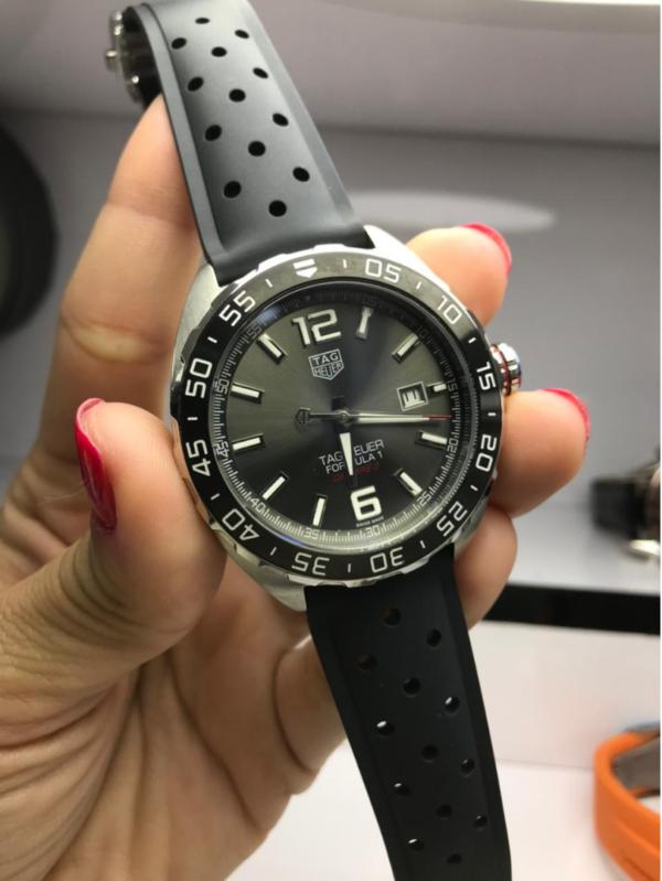 Réplica de relógio Tag Heuer Formula 1 Borracha – Preto